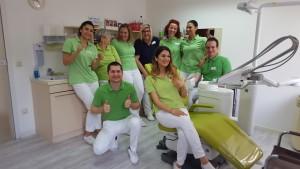 Das Team der Zahnarztpraxis in Bad Friedrichshall aus einem anderen Blickwinkel